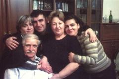 Карашев Ауэс с семьей.