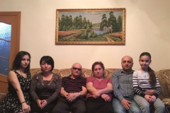 Карашев Царай, дети Клара и Дмитрий, внуки Виктория и Лаура
