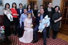 Карашев Хашауа с супругой Лианой и с близкими родственниками.
