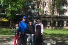 Йылдырым Сами Азмиевич со своей семьей.