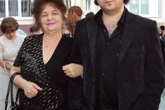 Карашева Зарима Сафарбиевна с младшим сыном Аскером.