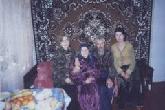 Карашева(Битокова) Радиска со своей семьей.