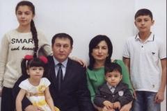 Готова (Битокова) Жаннета – младшая дочь Карашева Радиски Со своей семьей.