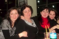 Карашева Инна с дочерьми.