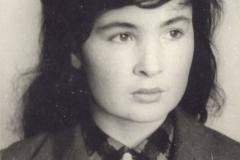 29 мая 1963 года, учительница старших классов  Нагоева Александра Сафарбиевна.